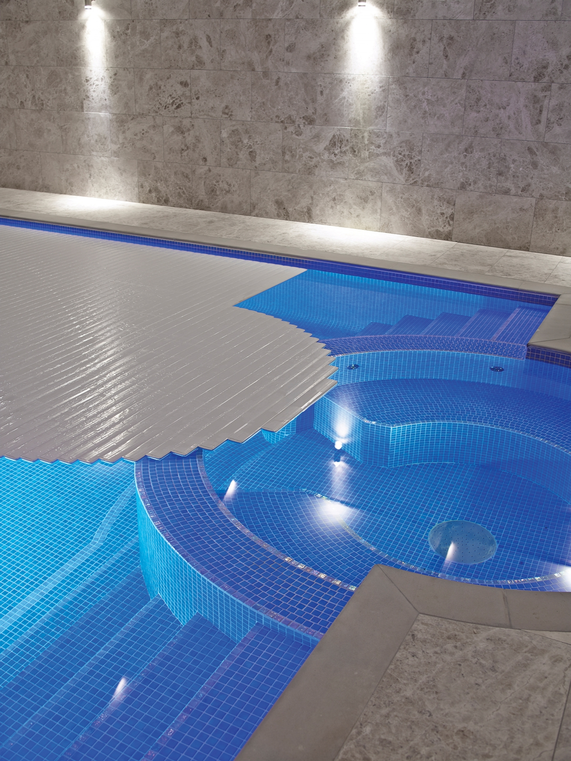 Welcome to the world of Ocea automatic swimming pool covers ...